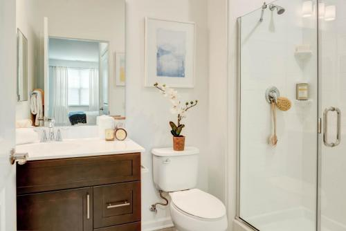 Hampshire Crossing Master Bathroom